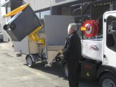 Semiremolque satélite con carga lateral para la recogida de RSU puerta a puerta URBACLIC S40